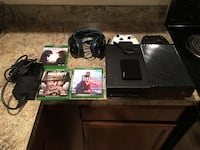 Xbox One, Controllers, Games, Headset and External Hard Lexington, 40511