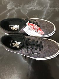 Vans women size 7 glitter shoes. Brand new! Toronto, M4Y 1P6