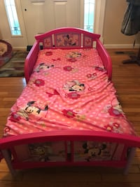 Pink Minnie toddler bed, with ortho mattress & sheets Herndon, 20170