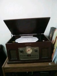 used vinyl record player for sale in moses lake letgo. Black Bedroom Furniture Sets. Home Design Ideas