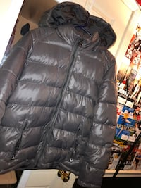 Guess bubble coat (NEED GONE TODAY) Price is Negotiable