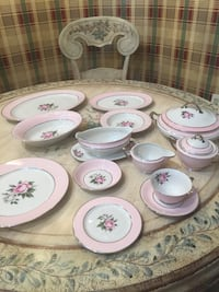 White-and-pink floral china dinnerware set 222 mi