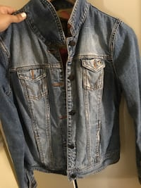 Jean button down jacket Hollister  Newark, 07105