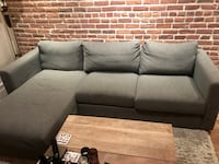 Barely used grey couch Montréal, H4C