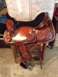 "Saddle 17"" with stand Wilmington, 19808"