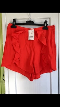Short rouge neuf H&M Toulouse, 31000