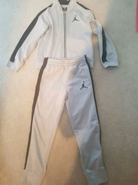 Boys tracksuit . Size 6-7 years . Surrey, V3S 1R8