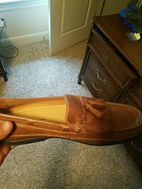 Johnston & Murphy browm leather loafers Middleburg Heights, 44130