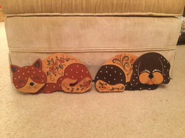 Wooden Zcat and Do Decorations