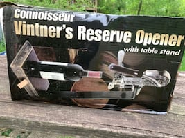 Vintner's Reserve Wine opener w/table stand