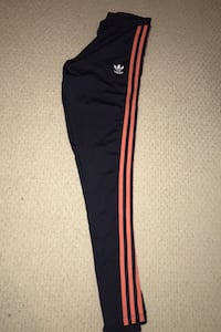 Adidas three stripe leggings size small Vaughan, L6A 0W2