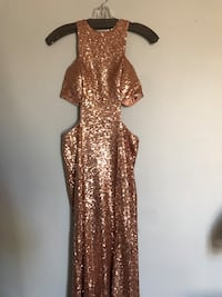 Gold sequin crew neck sleeveless prom dress