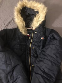 Kids tommy hill coat size 16  New York, 11206