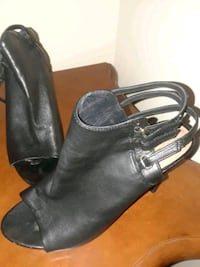 pair of black leather boots Sterling, 20164