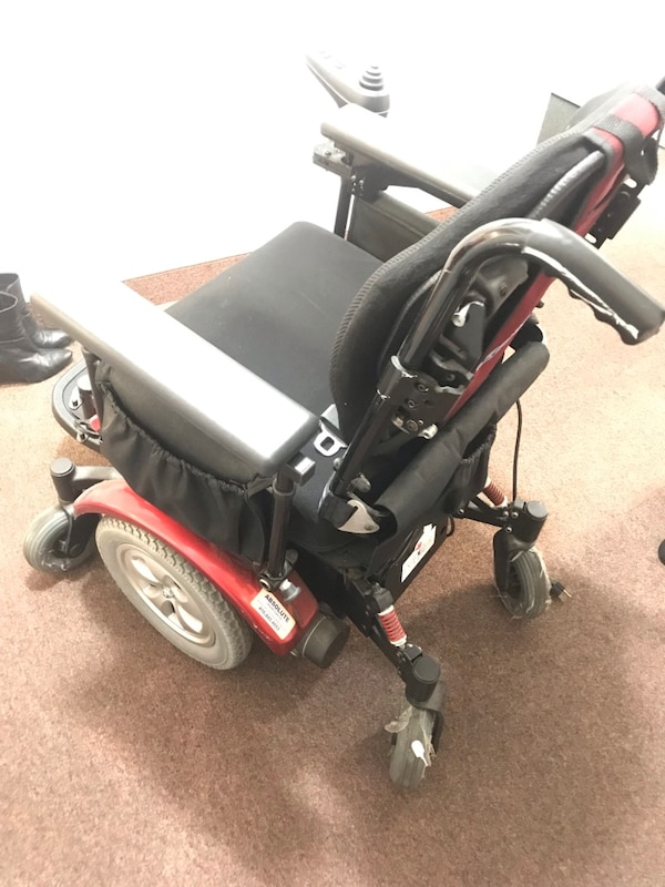 Lunar ELECTRIC CHAIR PERFECT CONDITION 64015007-00cc-47c7-9520-f1cd6b4089b9