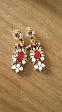 red and white gemstone embellished pendant earrings Orangeville, L9W 4Z7