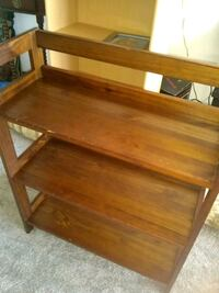 3 layer wooden shelf Alexandria, 22306