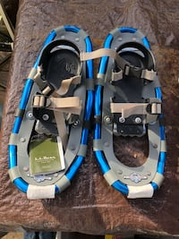 3 pair of snow shoes  Moonachie, 07074