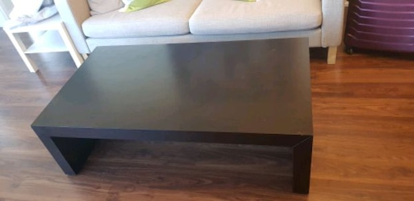 Coffee table b4a177f7-2a70-403c-be2c-ff89d16a569d