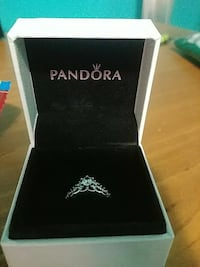 silver-colored Pandora solitaire ring with box Kelowna, V1X 2Y1