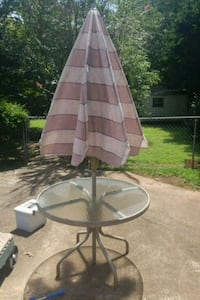 Outdoor table and umbrella Watkinsville, 30677