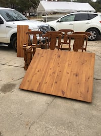 brown and black wooden table Mandeville, 70471