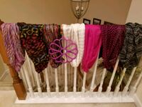 6 scarves with scarf holder Fairfax