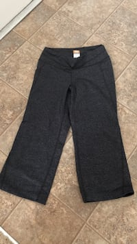 black and gray Nike sweatpants Crofton, 21114