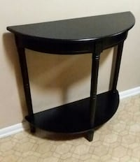 (Ebony Black) Entryway/Hall Table (Excellent Used Condition) Center Point