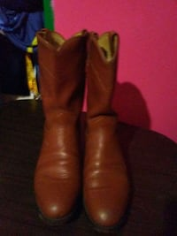 pair of brown leather almond-toe cowboy boots Dallas, 75220