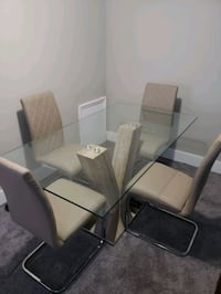 4 seat dining table set. Dover, 19904
