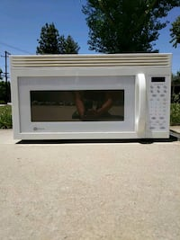 white General Electric microwave oven Yucaipa, 92399