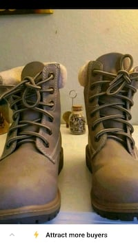 Womens boots zise 8.5  VERY CLEAN Y EXCELENT CONDI Los Angeles, 91406