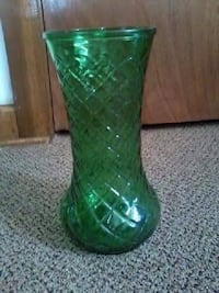 Antique Green Hoosier glass vase #4087!   Hazleton