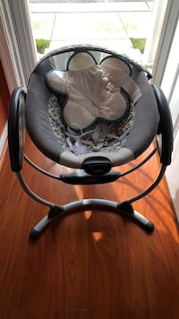 Baby's black and gray portable swing Newport News, 23608
