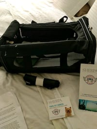 Travel pet carriers/ pee pads/ pee pad cases