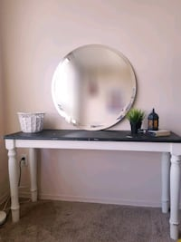 shabby schick console table with round mirror Toronto, M1R 5G9