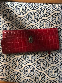 Red trifold wallet Bellevue, 68123