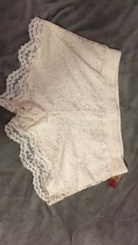 off white lace shorts Port Hope, L1A 4K5