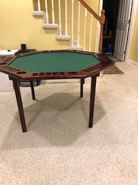 8 person poker table