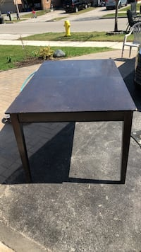 Table Vaughan, L6A 2R8