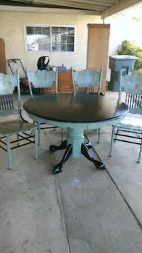 Table & 4 chairs  Bakersfield, 93308