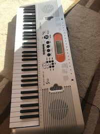 Keyboard/ piano