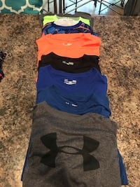 Under Armour Youth Large 8 shirts Windham, 03087
