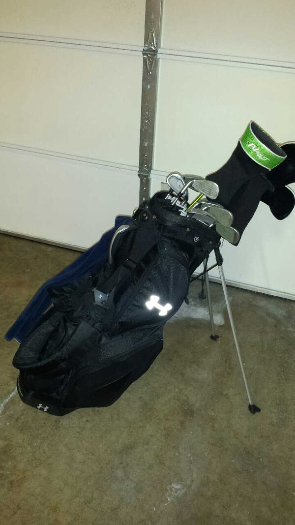 Used Under Armour Golf Bag With Extras For Sale In San