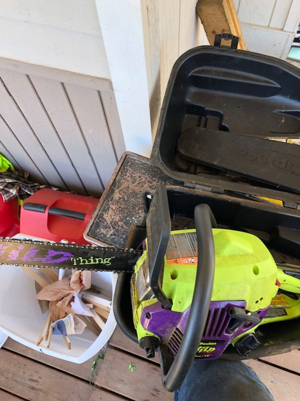 Poulin chainsaw with case