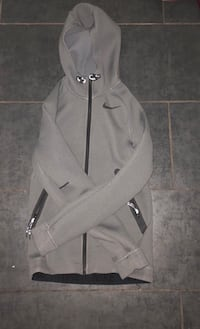 Nike Thermal fit, zip up hoodie Vancouver, V5Y 2N4