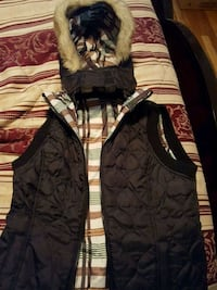 Girl's Reversible Hooded Puffer Vest Montréal, H1R 2Z3