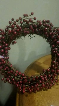 Decorative Berry frosted wreath Youngstown, 44515