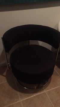 black and gray fabric padded chair 581 mi